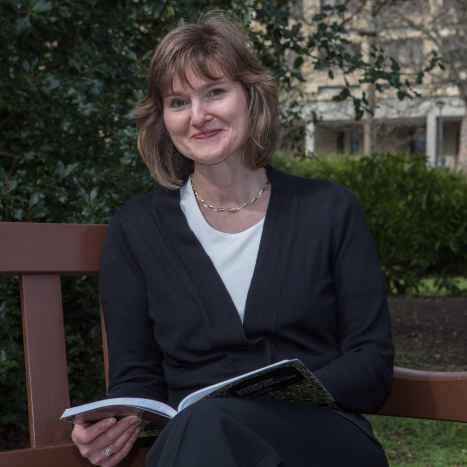 Lesley book.bench crop