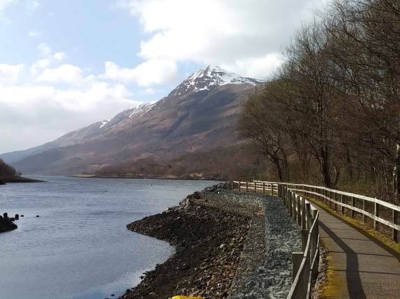 path by the loch. kinlochleven mar18
